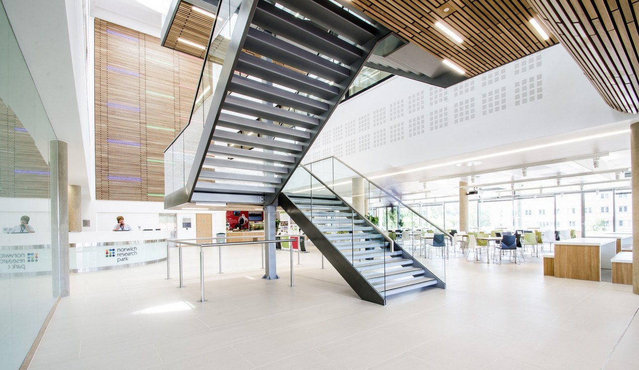 Centrum Building 02