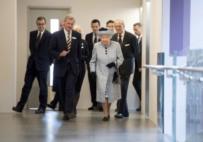 the queen and ba systems balustrades