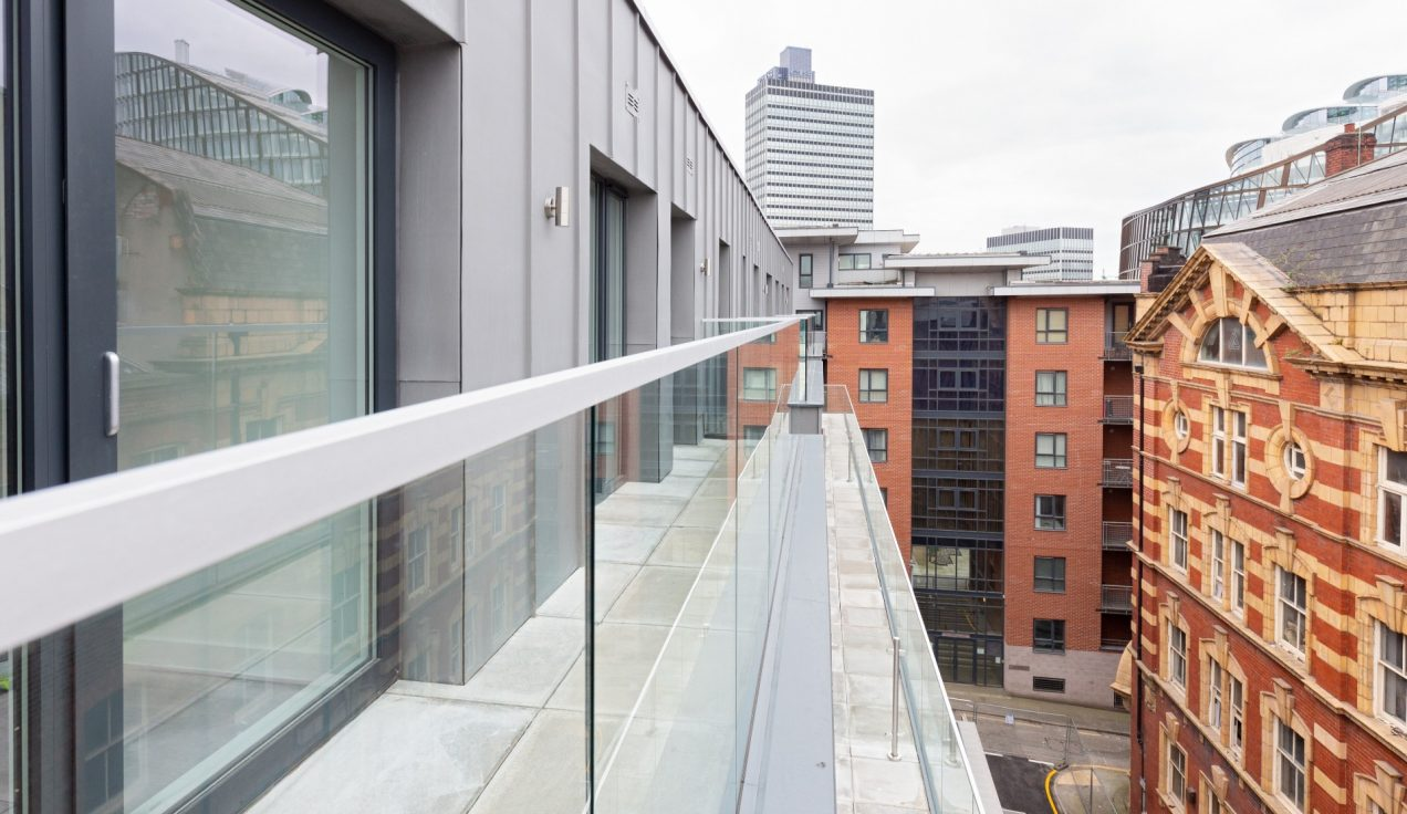 03 Simpson Street Glass Balustrades