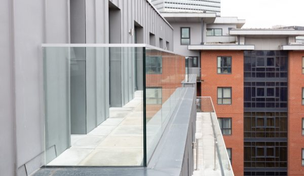 Laminated glass: External Terrace