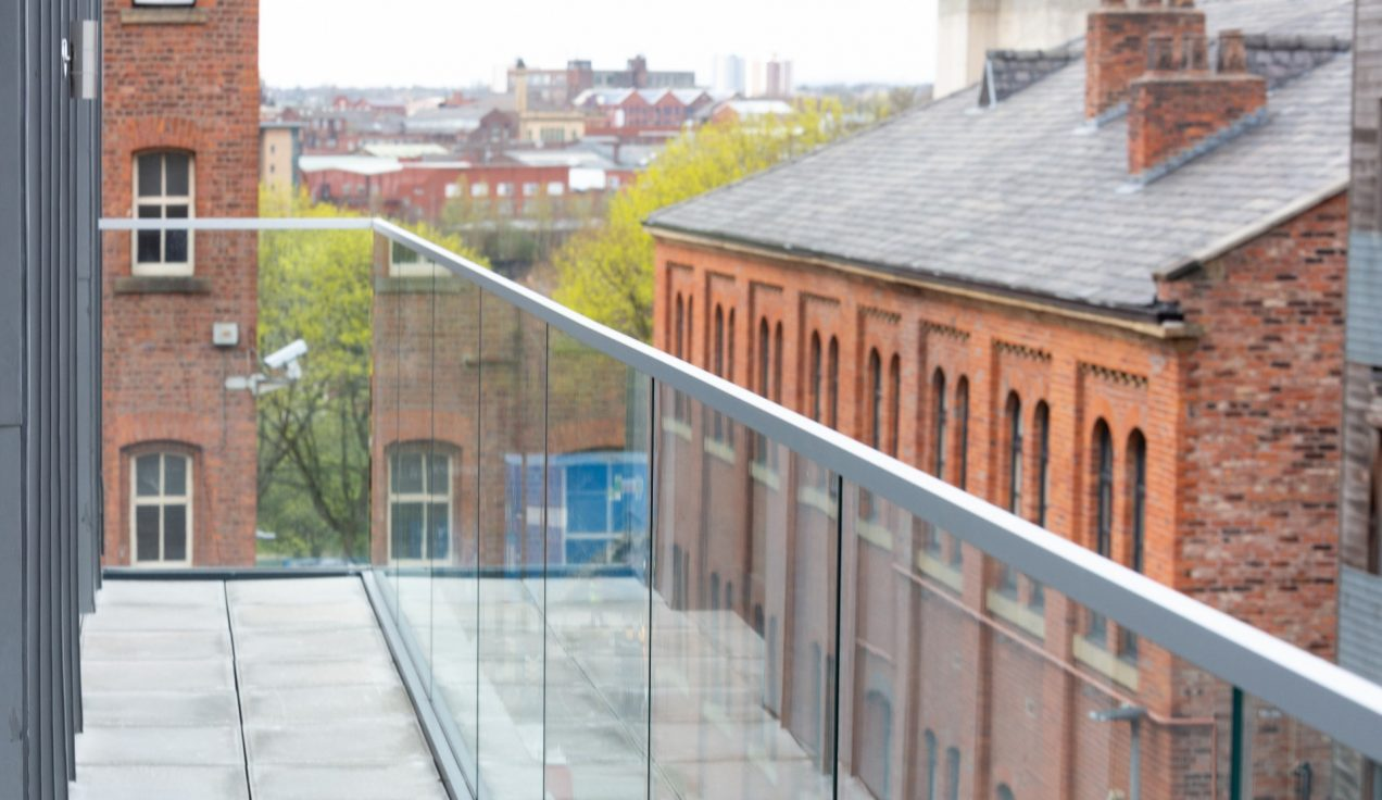 08 Simpson Street Glass Balustrades