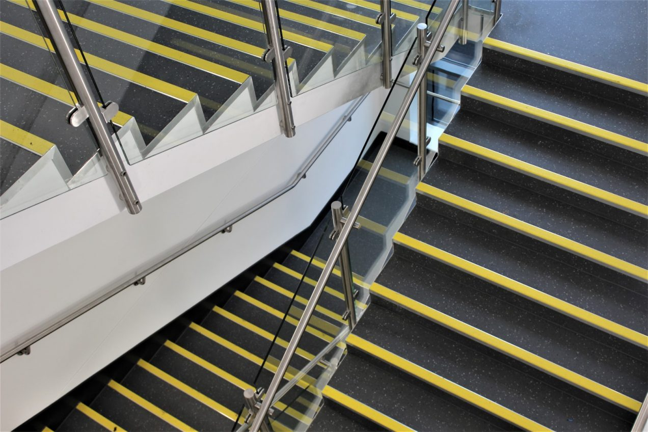01 B20 Stair Balustrades