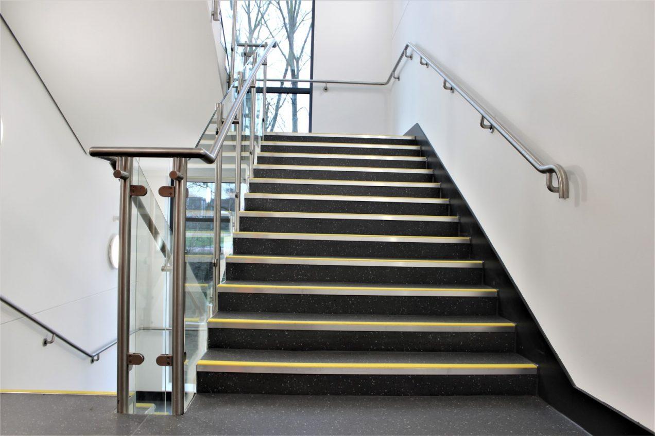 02 B20 and B10 Stair Balustrades