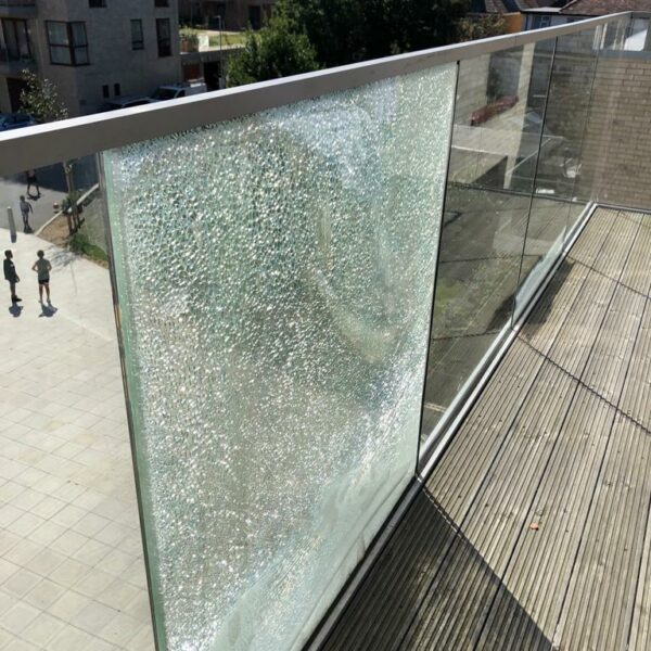 glass_breakage_causes_2