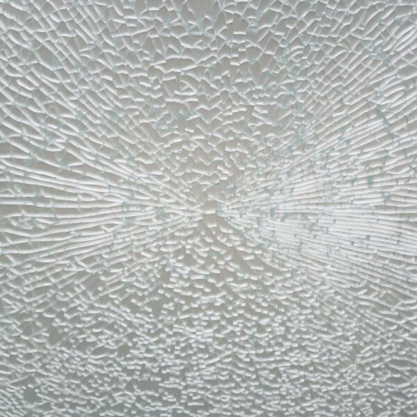 glass_breakage_causes_3