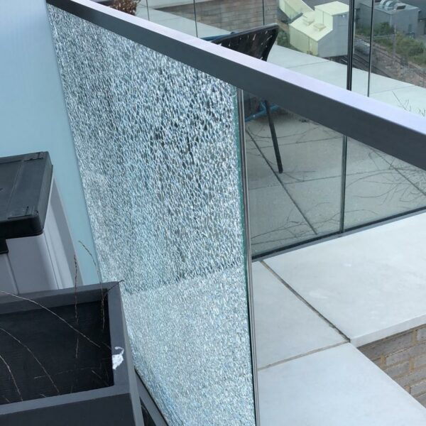 glass_breakage_causes_4