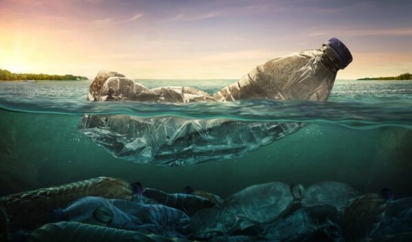 02 plastic in ocean
