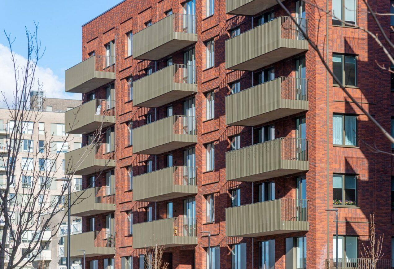 08 vertical bar balconies
