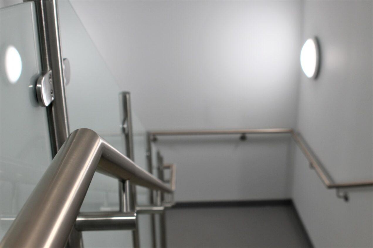 04 VBA99 Antimicrobial Metal Handrails