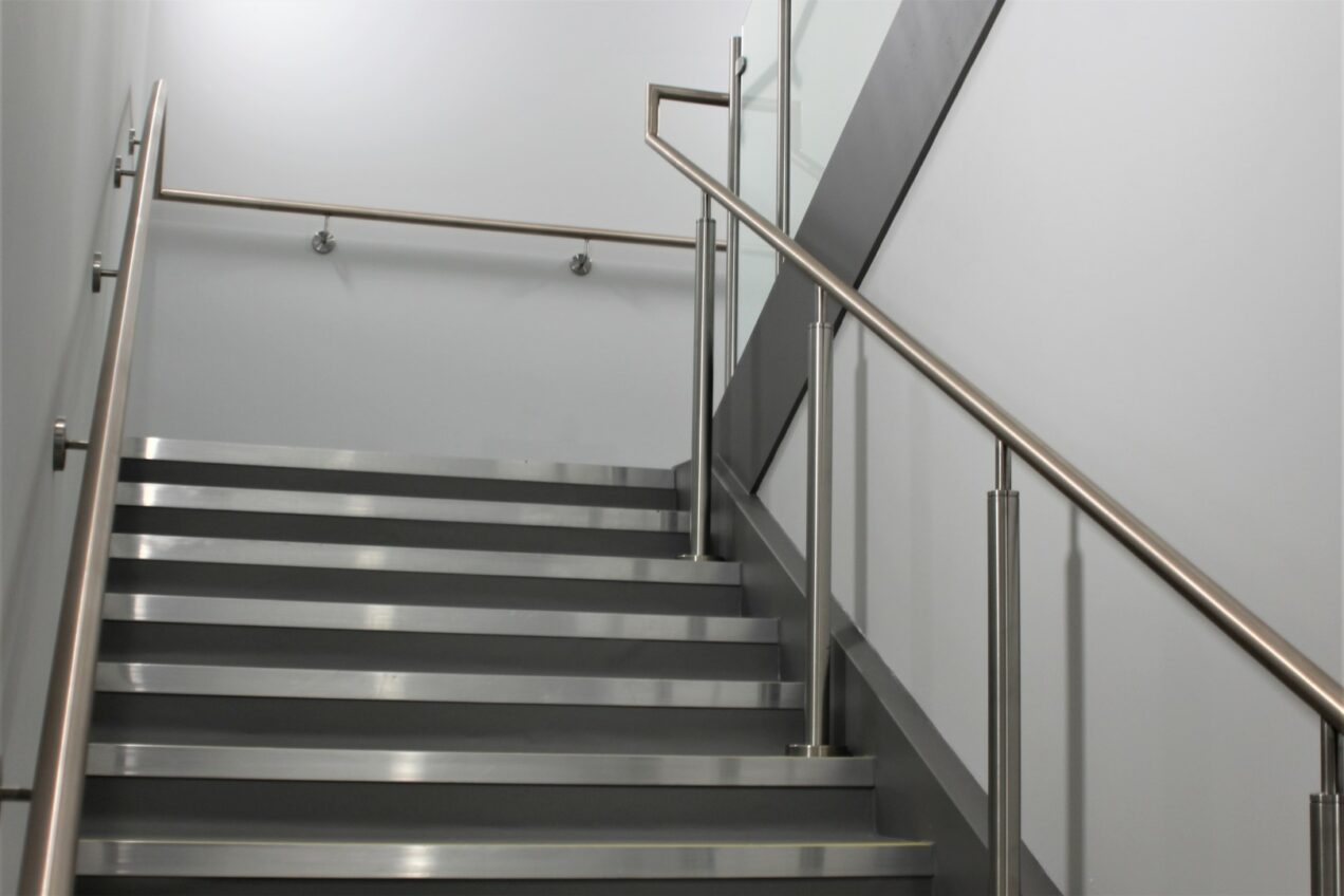 07 VBA99 Antimicrobial Metal Stair Balustrades