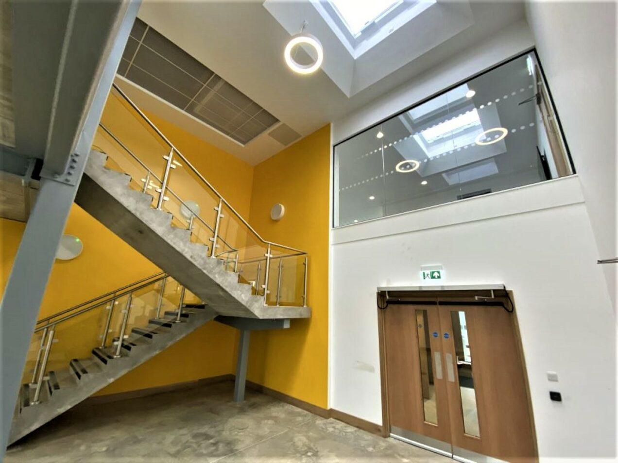01 main stair