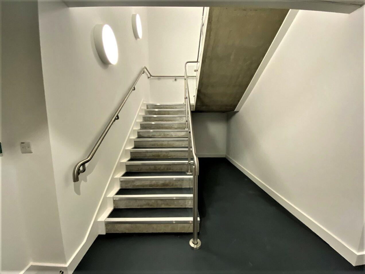 04 interior stair