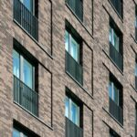 geq_vertical_bar_balconies