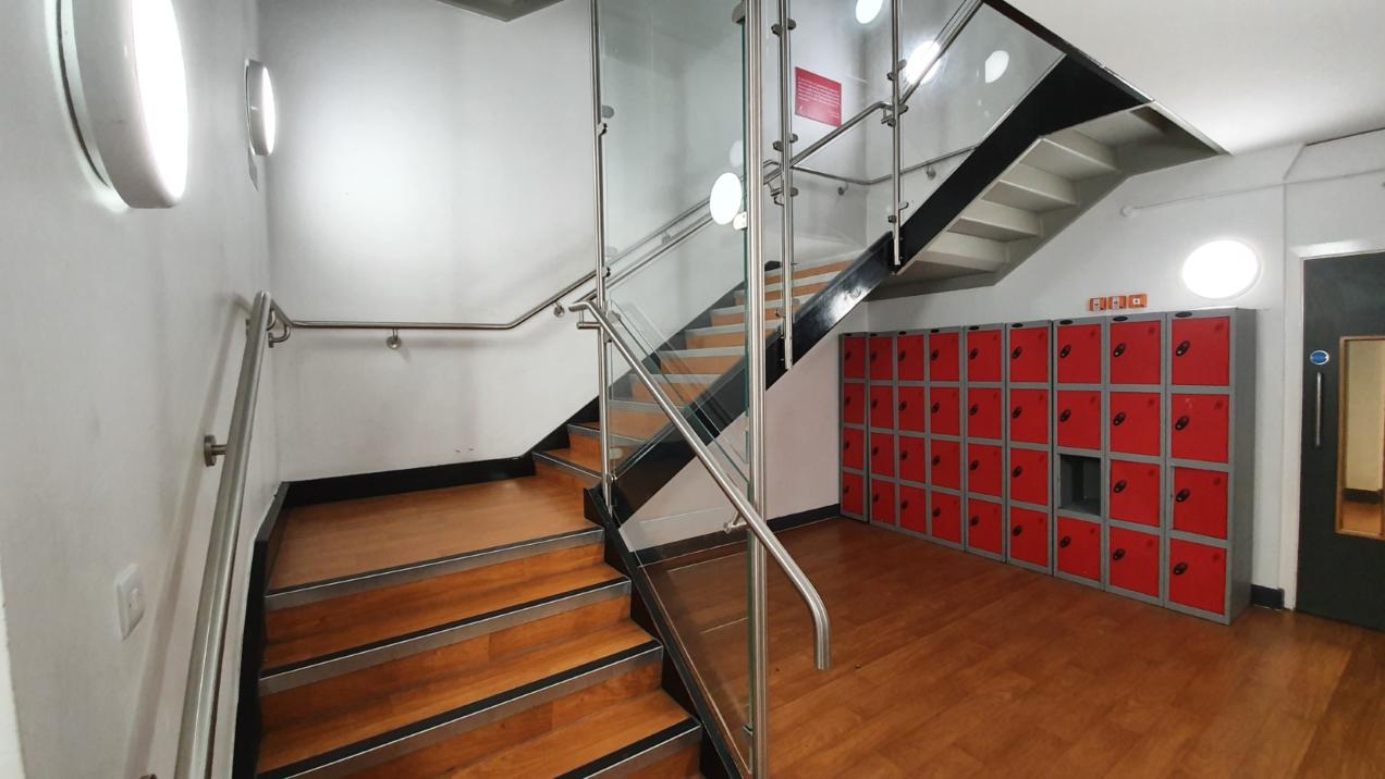 04 stair balustrades