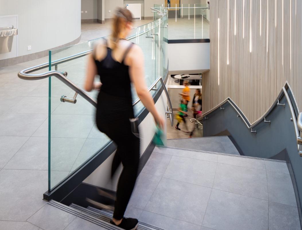 03 main stair balustrade